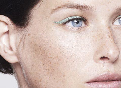 Des traits d'eyeliner en patchs pour ne plus jamais se rater