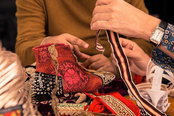 Christian Louboutin rend hommage à l'artisanat indien - 3