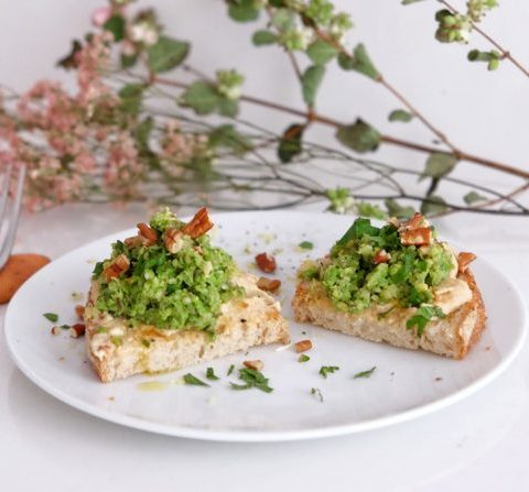 TOASTS AU SOJA ET AUX PETIT POIS PAR GREEN & PEPPER