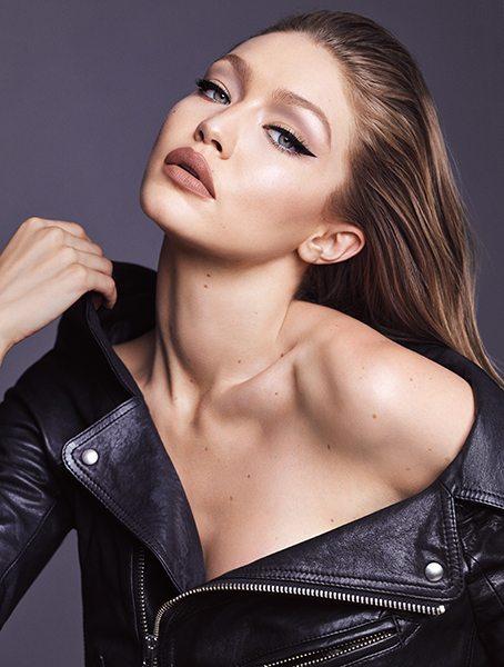 Gigi Hadid lance sa propre collection de maquillage - 15