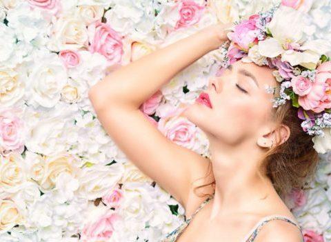 7 façons originales et sophistiquées de se parfumer