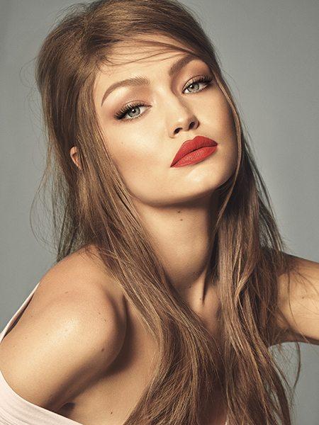 Gigi Hadid lance sa propre collection de maquillage - 1