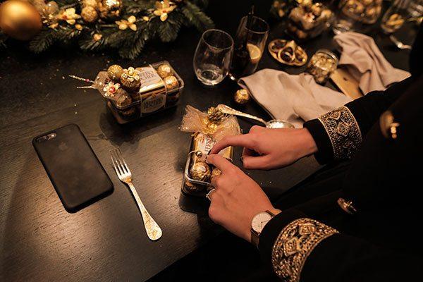 Revivez le Golden Dinner de ELLE x Ferrero Rocher - 3