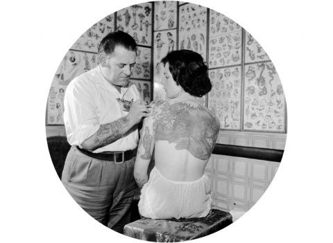 Tatouage ADN: la nouveauté pour avoir ses proches dans la peau