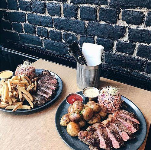 restaurant, gaan eten, brussel, eten, vegetarisch, vegan, bbq, vleesrestaurant, kip, gerecht, menu