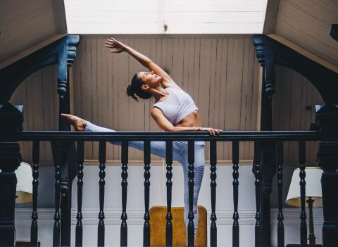 On a testé : le yoga du rire pour retrouver la banane