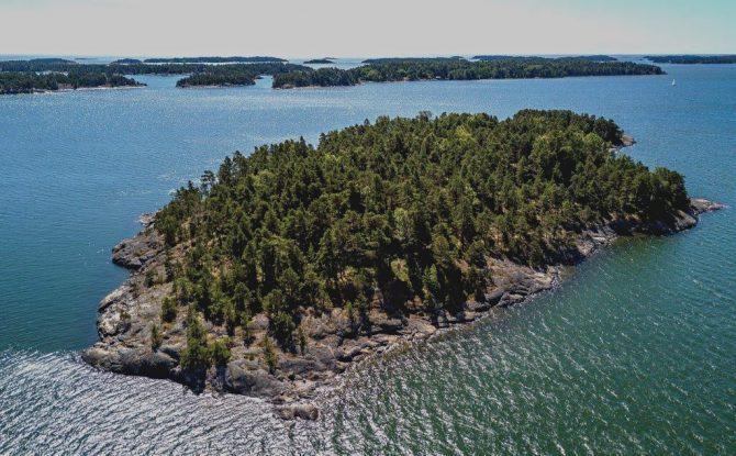 Une île paradisiaque réservée aux femmes en Finlande - 1