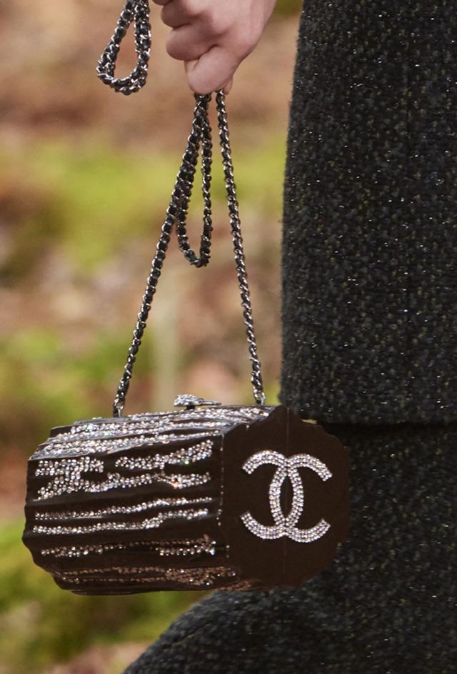 Chanel FW18 : promenons-nous dans les bois - 2