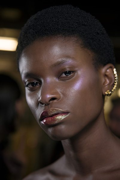 Make-up holographique : quels sont les produits les plus cool ? - 1