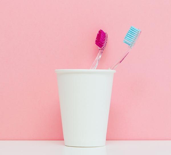 Shutterstock - brosses à dents en plastique
