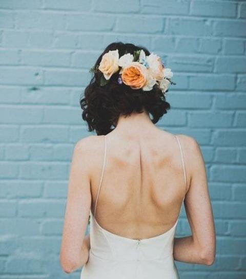 30 coiffures de mariée irrésistibles pour cheveux courts