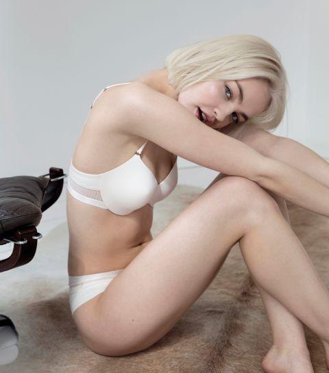 Sous-vêtements confortables testés par la mannequin Romi et la créative Elisabeth Ouni