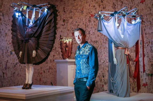 Viktor & Rolf exposent 25 ans de mode radicale à Rotterdam - 6