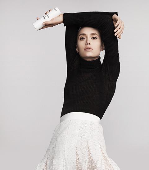 Chanel met la danse contemporaine à l'honneur pour le lancement de N°5 L'Eau en spray