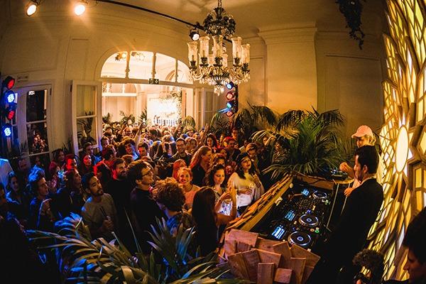 Casa Corona: le pop up bar rafraîchissant au coeur de Bruxelles - 5