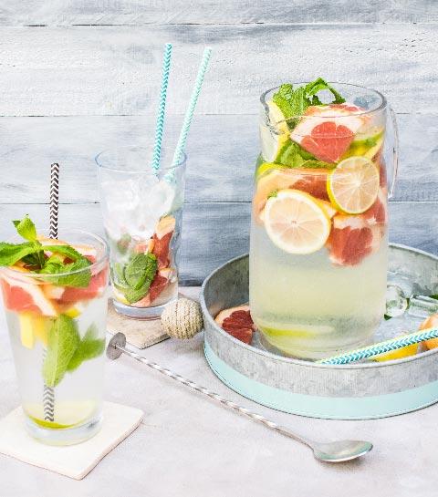 5 recettes d'eaux detox aromatisées pour l'été