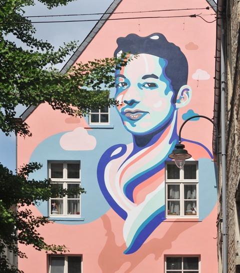 On adore: la nouvelle fresque bruxelloise pour la cause LGBTQI+