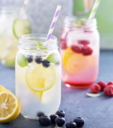 12 recettes d'eaux fruitées pour l'été