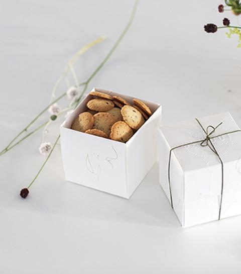 Maison Dandoy X Thierry Boutemy : de la boîte de douceurs au bouquet de fleurs