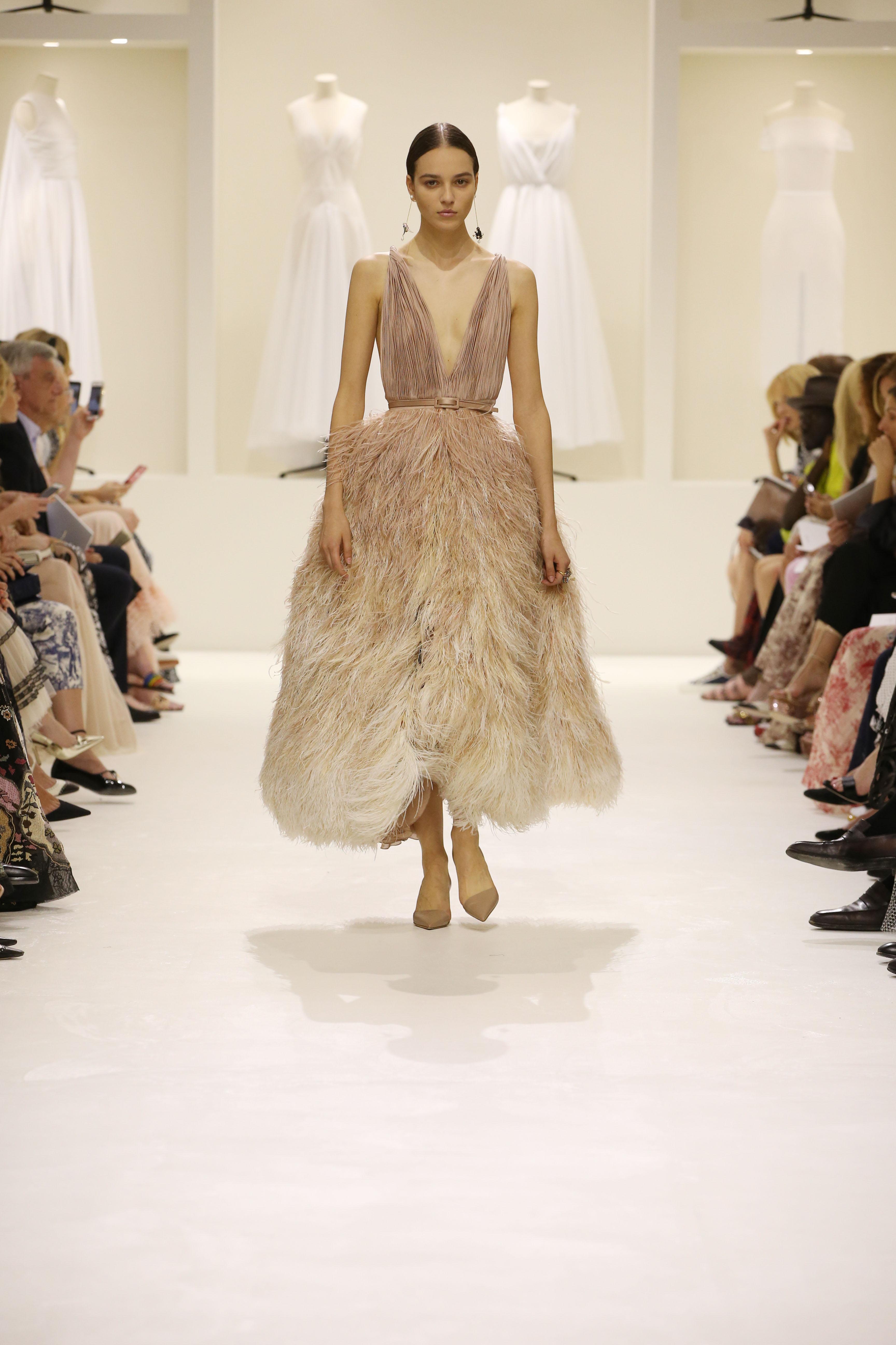 Christian Dior Haute Couture AH18-19 : les sources de l'épure - 7