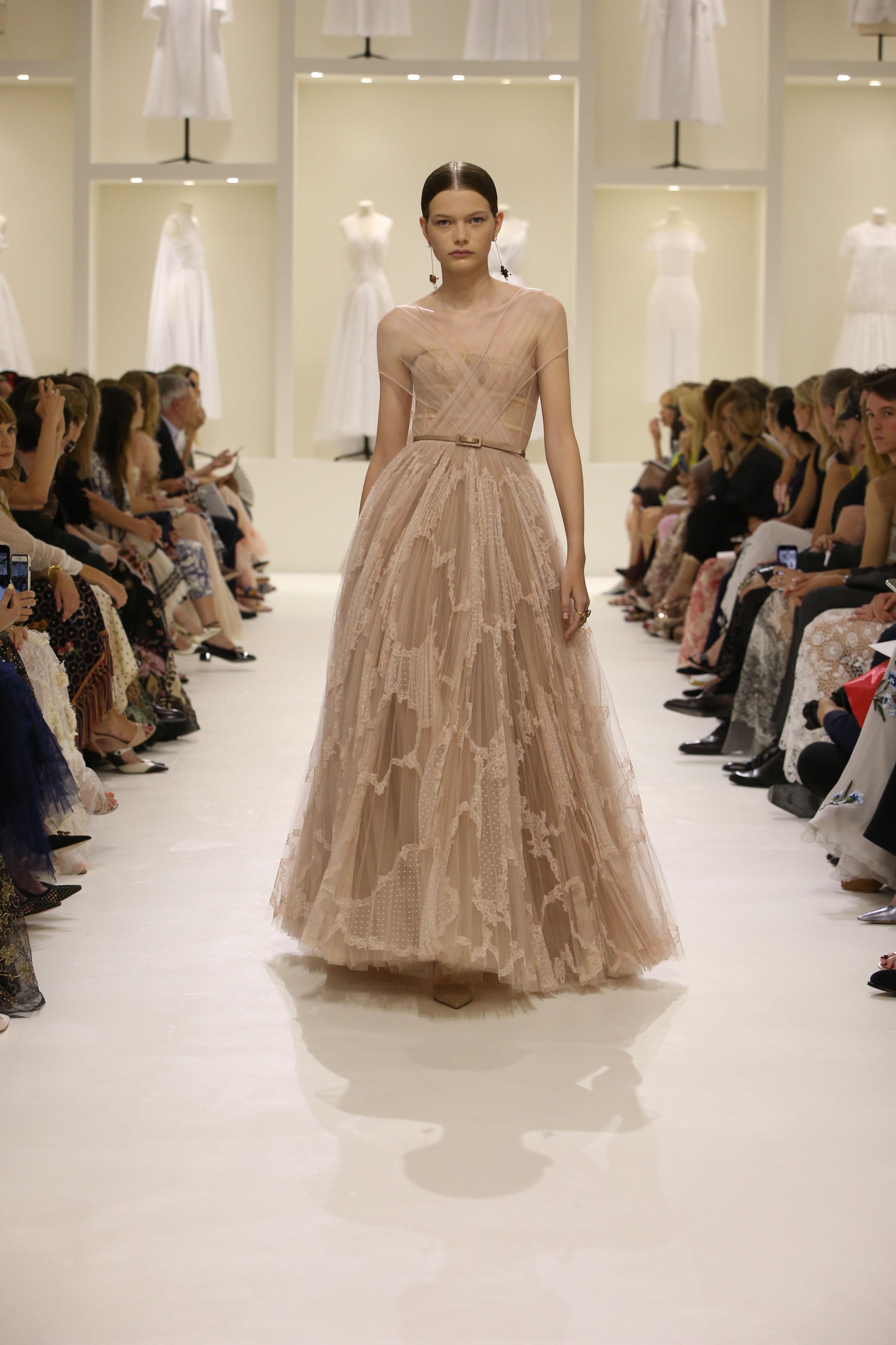 Christian Dior Haute Couture AH18-19 : les sources de l'épure - 6