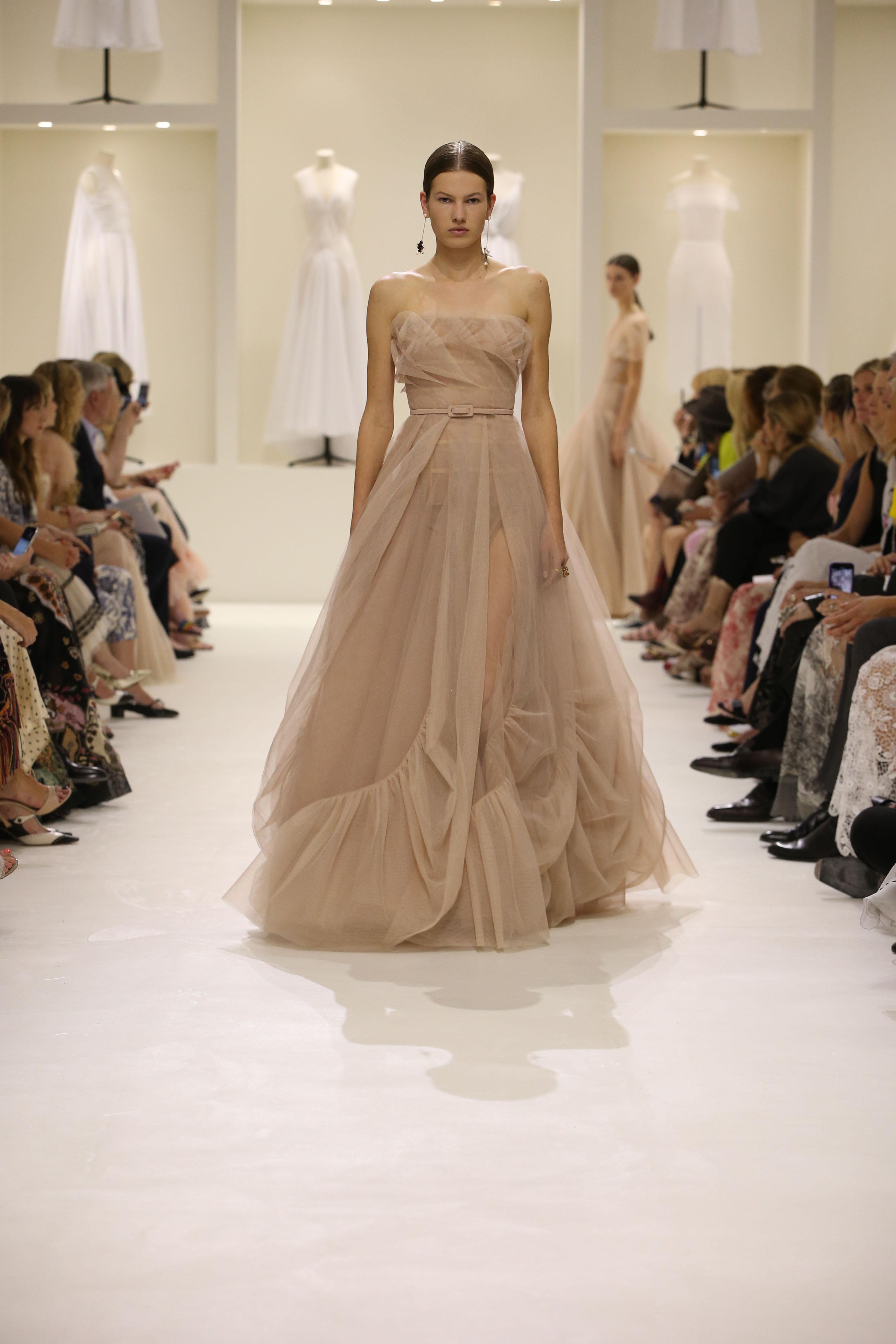 Christian Dior Haute Couture AH18-19 : les sources de l'épure - 1