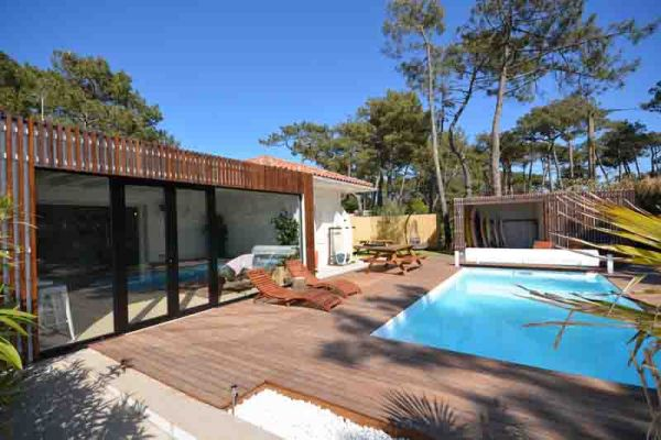 Surf_inn_pool_terrace