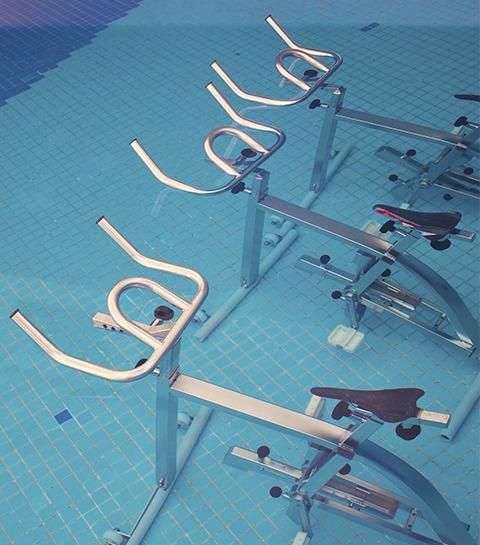 On a testé: un cours d'Aquabike pour se sculpter un corps de sirène