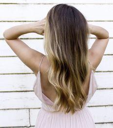 Cheveux déshydratés: comment retrouver une chevelure brillante ?