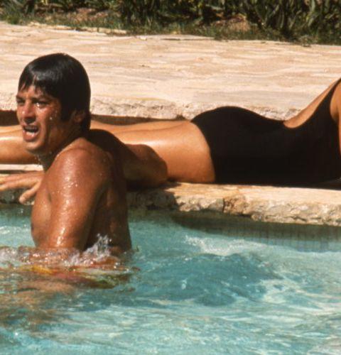 Plongez dans les 15 scènes de piscine les plus cultes du cinéma