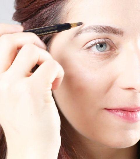 Tuto : des sourcils parfaits grâce à un stylo contouring