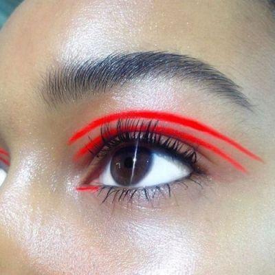 eyeliner_red