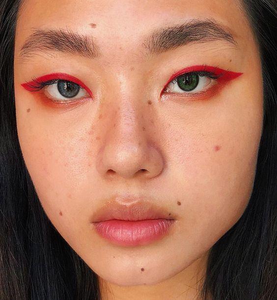 eyeliner_rouge