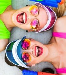 Quels mascaras waterproof résistent à une pool party ?