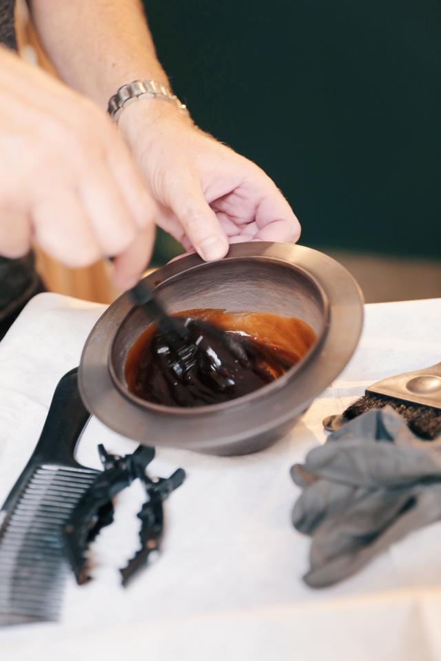 Comment réparer les cheveux abîmés après l'été ? - 1