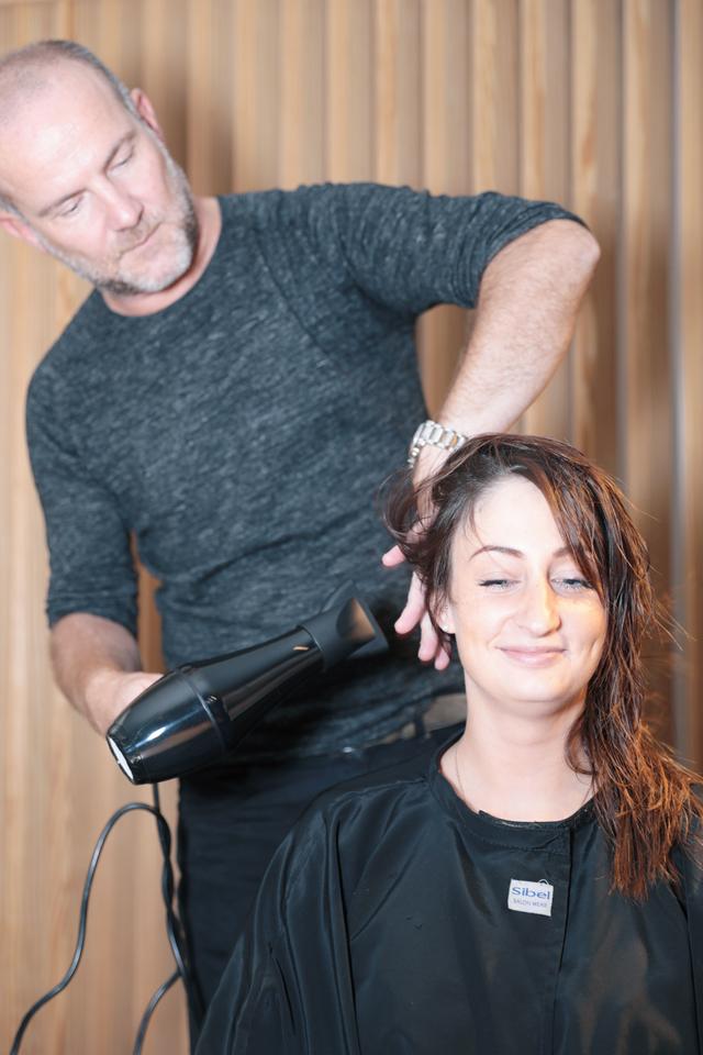 Comment réparer les cheveux abîmés après l'été ? - 5