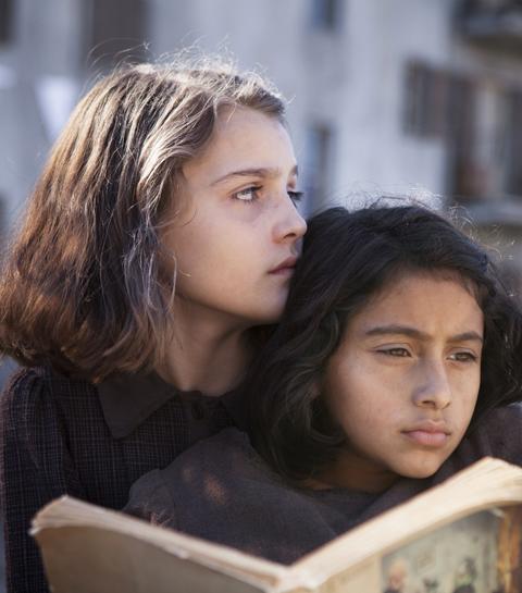 L'amie prodigieuse: que vaut la série adaptée du best-seller?