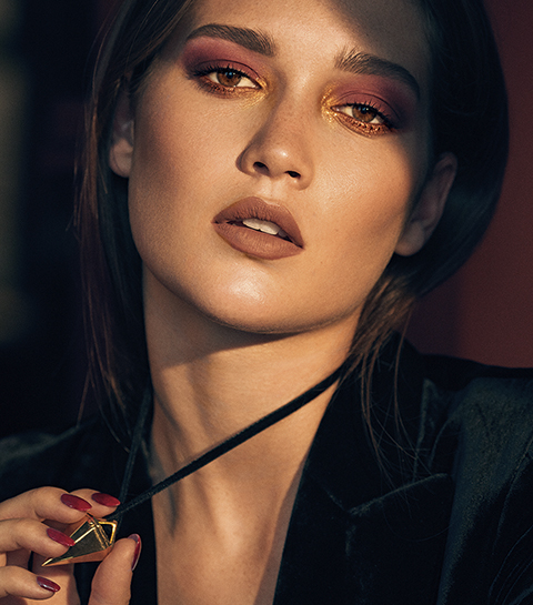 Estée Lauder dévoile une collection de maquillage pour les audacieuses