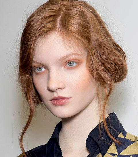 Peau claire et cheveux roux : comment garder une bonne mine tout l'hiver ?