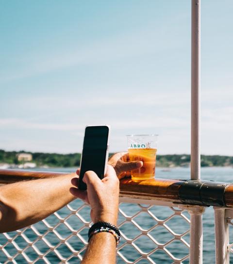 Sommes-nous tous accros aux réseaux sociaux?