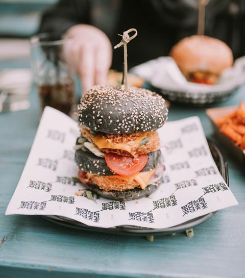 Veg'ger: à quoi ressemble le premier fast-food vegan de Bruxelles?