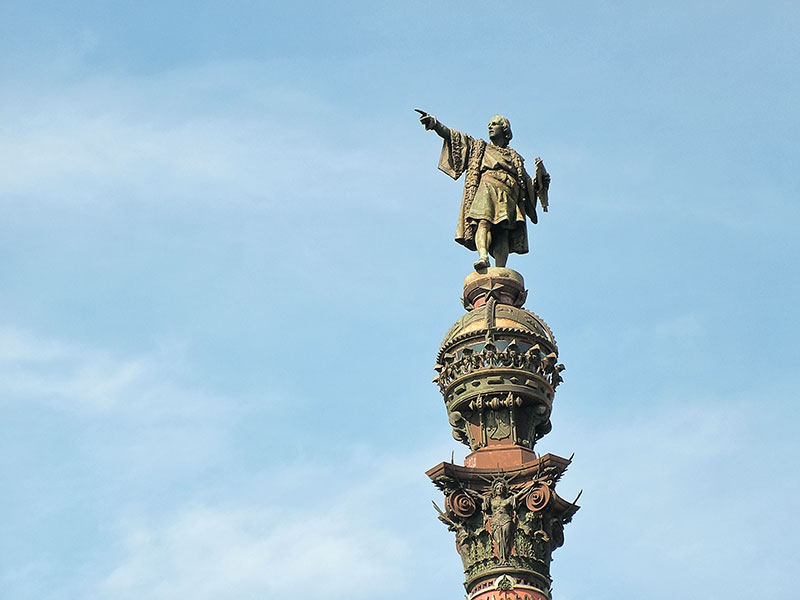 Située en plein centre-ville, juste en face de la plage de Barcelonnette, la colonne Christophe Colomb est un superbe monument.