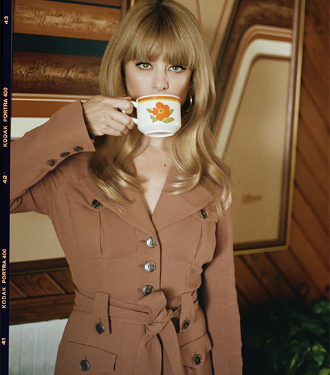 & Other Stories: pourquoi on craque sur la collection inspirée des années 70 ?