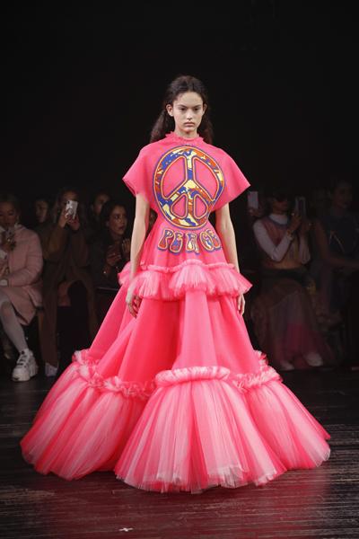 Paris Haute-Couture : Viktor & Rolf, la mode à slogans - 5