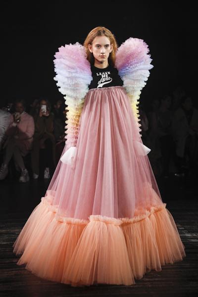 Paris Haute-Couture : Viktor & Rolf, la mode à slogans - 16