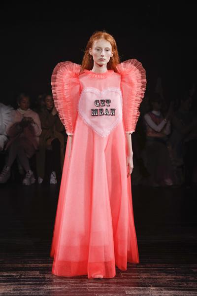Paris Haute-Couture : Viktor & Rolf, la mode à slogans - 12