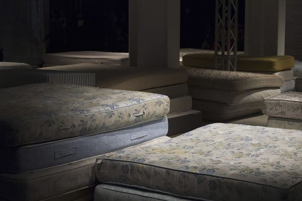 matelas Act n°1 fashion week Milan FW19