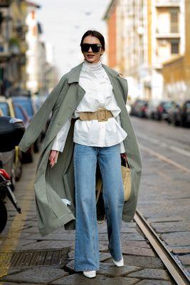 jeans flare et chemisier ceinture