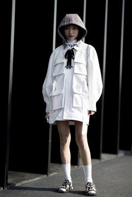 robe blanche à poches