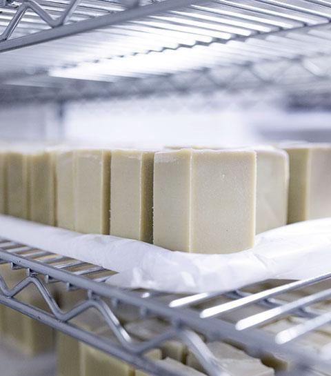 Pourquoi le savon solide est le nouveau must-have beauté ?